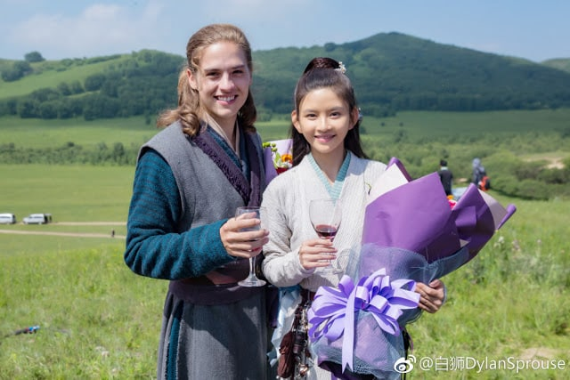 dylan-sprouse-pelicula-china